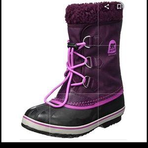 Sorel purple and black boots